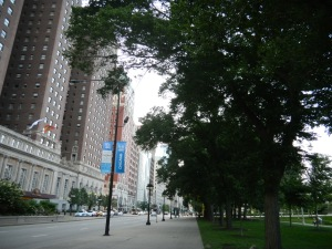 Facing north on Michigan Avenue. Grant Park is on the right.