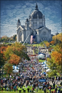 View of the finish line from the State Capitol in St. Paul, Minnesota (http://www.flickr.com/photos/stonebridgedapper/5073429919/ )